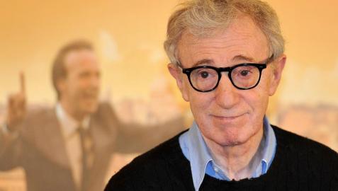 Woody Allen presenta