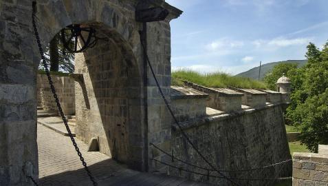 Recorridos guiados en castellano y francés por las murallas