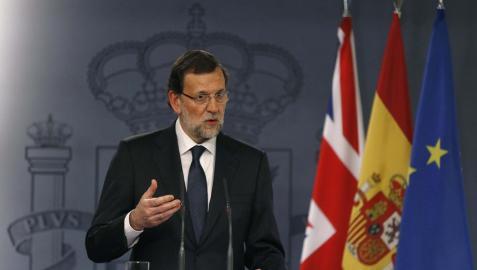 Rajoy defiende al Rey y la