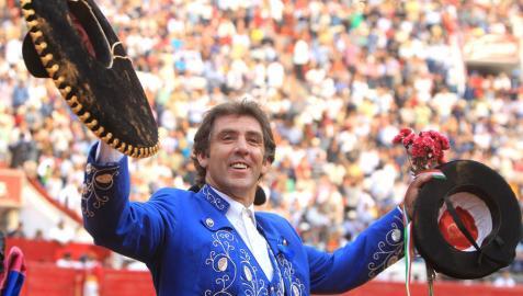 Pablo Hermoso de Mendoza, en un festejo de su temporada mexicana en 2014