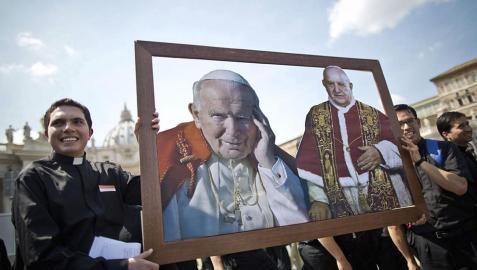 El Vaticano canoniza este domingo a dos de sus papas más recientes
