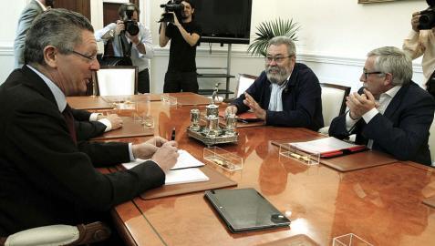 Gallardón se compromete a estudiar el indulto para seis sindicalistas