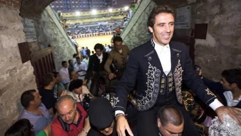 Hermoso de Mendoza cortó cuatro orejas y un rabo en Mazatlán