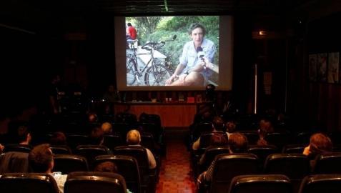 Salesianos homenajea la solidaridad de un 'biciclown'