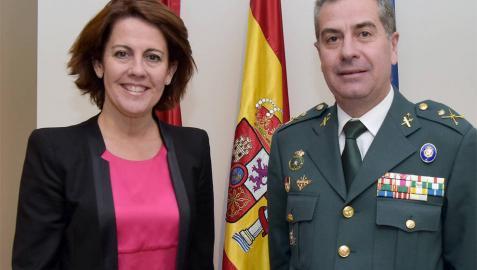 Barcina recibe al exjefe de la Guardia Civil en Navarra Juan Luis Pérez