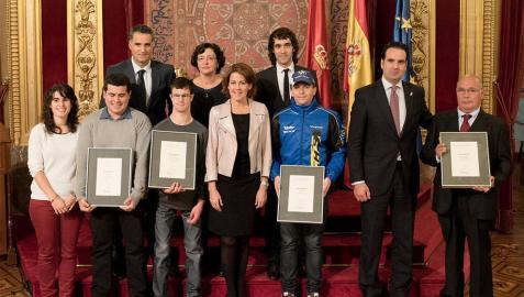 El piloto Alex Mariñelarena recoge su Galardón de la Juventud 2014