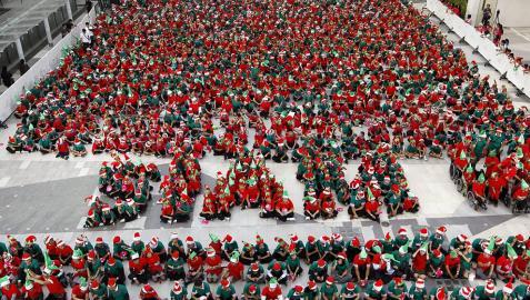 1.792 elfos tailandeses entran en el libro Guinnes
