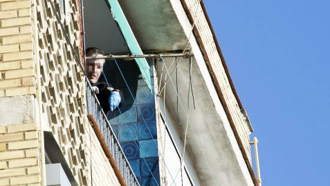 Muere un bebé al caer por la ventana de un sexto piso en Granada