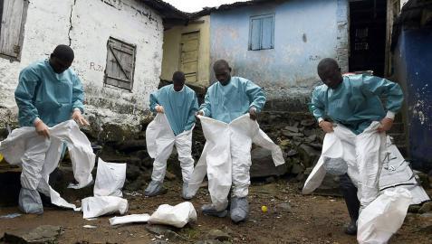La OMS dice que están bajo control el 70% de los infectados por ébola