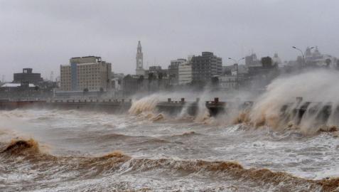 El temporal deja ocho muertos en Uruguay, Paraguay y Argentina