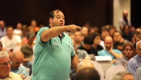 Txema Garrido, en una asamblea de Osasuna
