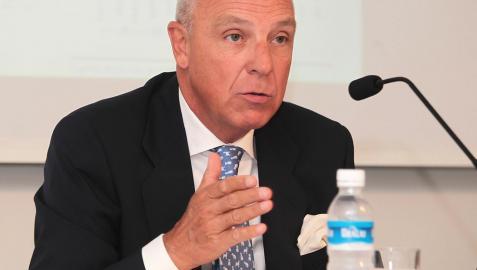 Javier Taberna reclama en el Parlamento estabilidad política