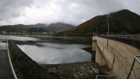 Los embalses navarros afrontan al 50% el nuevo año hidrológico