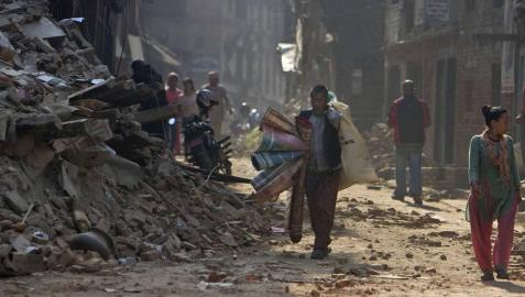 La economía y las infraestructuras todavía tiemblan Nepal