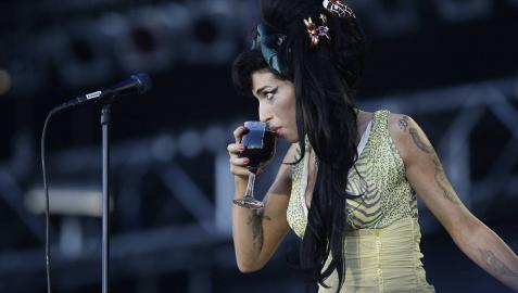La familia de Amy Winehouse censura un documental
