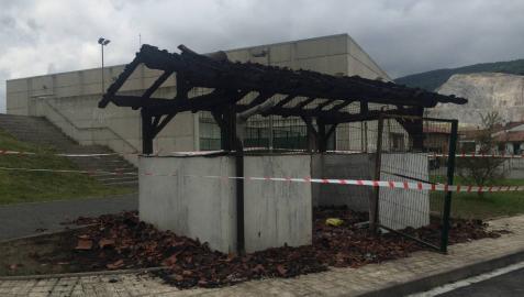La quema de contenedores cuesta 15.000 € a la Barranca