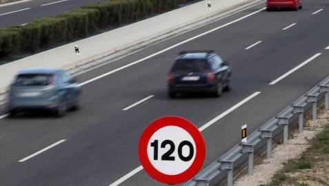 Las autovías del Pirineo y Leizarán centran la vigilancia en la Operación Salida