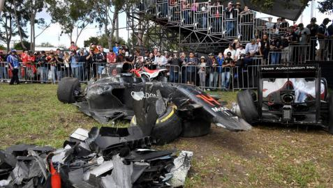 Rosberg primer líder y Alonso vuelve a nacer en Australia