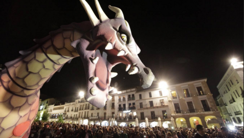 Más de 1.000 figurantes acompañarán a un dragón en un desfile en Cáceres