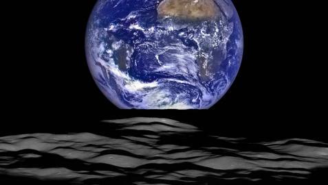 La NASA capta una imagen de la Tierra desde la Luna