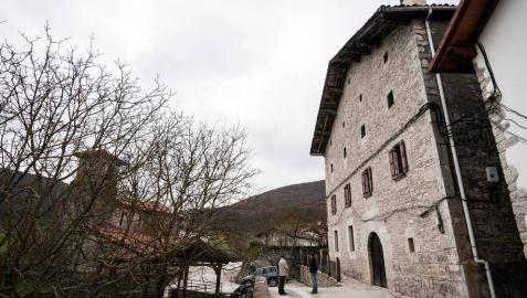 La casa 'Itxasonea', situada en Muskitz, en el valle de Imotz, y que fue rehabilitada por el ayuntamiento.