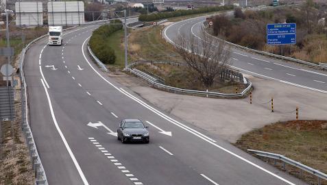 Fomento bajará el peaje de algunas autopistas en horas de menos tráfico