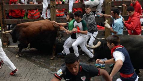 Pamplona encara la recta final de las fiestas tras un emocionante encierro