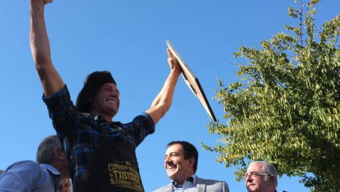 Carlos Iriguibel, de Huarte, gana el XI concurso navarro de Txistorra