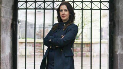 Dolores Redondo, escritora española de novela negra.