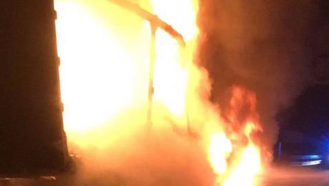 El incendio de un camión corta la A-15 varias horas