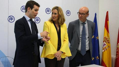 Casado pide en Pamplona un PSOE que ayude