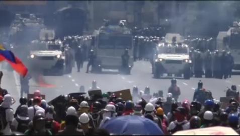 Nuevas protestas en Caracas contra el presidente Maduro