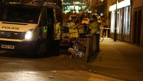 Al menos 19 muertos y 50 heridos en dos explosiones en un concierto en Manchester