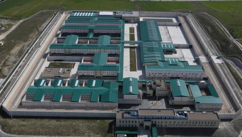 La cárcel de Pamplona acoge a 350 presos, la mitad de  su capacidad
