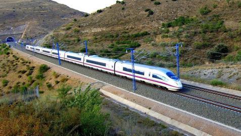 Ayerdi asegura que no se pueden licitar obras del TAV al faltar los proyectos