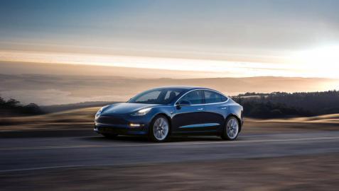 Tesla presenta el Model 3, su coche por debajo de 40.000 euros