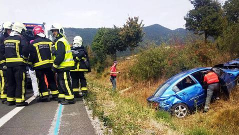 Heridas leves cinco vecinas de Sarriguren tras salirse de la vía su coche en Sorauren
