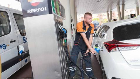 El precio de los carburantes sube en la Ribera tras 4 veranos de bajadas