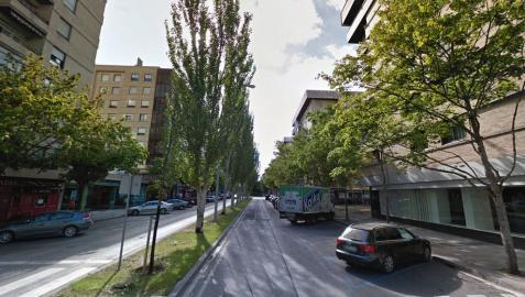 Un hombre de 52 años, apuñalado en un bar de la calle Iturrama de Pamplona
