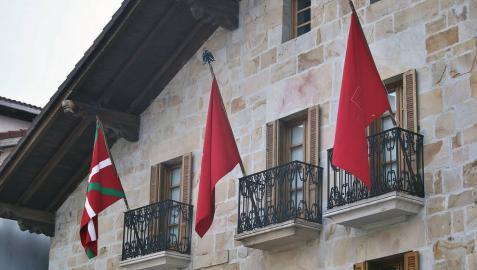 El TAN resuelve contra la colocación de la ikurriña en Olazagutía