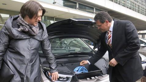 El coche eléctrico en la UE, un capricho para el usuario medio