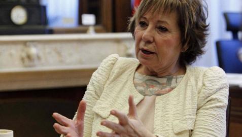 La vicepresidenta del Congreso, Celia Villalobos, compara a Mas con Franco