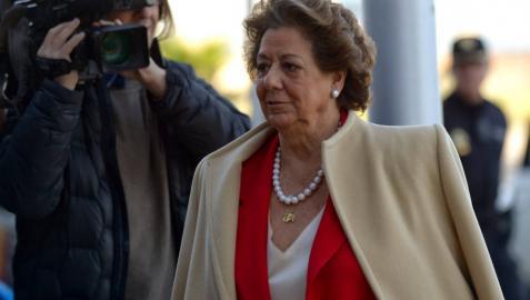La senadora del PP y exalcaldesa de Valencia Rita Barberá, a su llegada a la Audiencia de Palma.