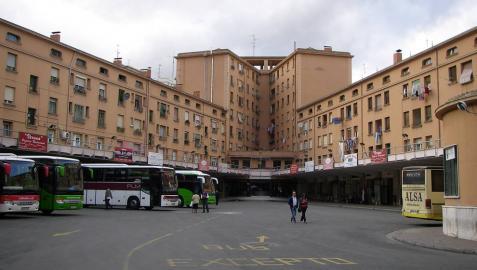 Seis menores agreden a una anciana con un monopatín en Logroño