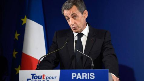 Nicolas Sarkozy reconoce su derrota y anuncia que apoyará a François Fillon