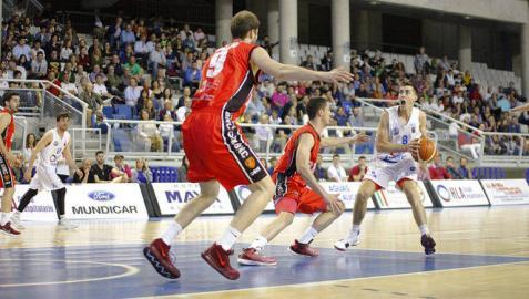 El Basket Navarra pierde el segundo partido y queda al borde de la eliminación