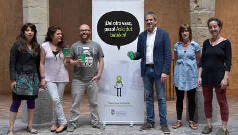 Pamplona presenta el nuevo modelo de vaso reutilizable para estos Sanfermines