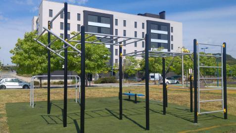 Tafalla amplía con un parque de calistenia las instalaciones de uso libre