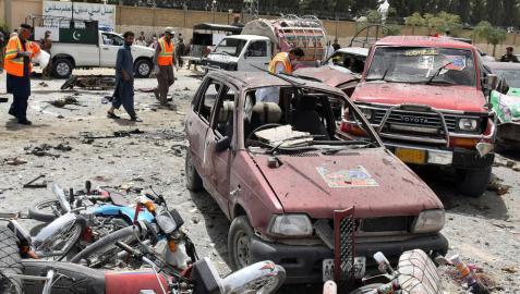 Al menos 21 muertos en un atentado cerca de un colegio electoral en Pakistán