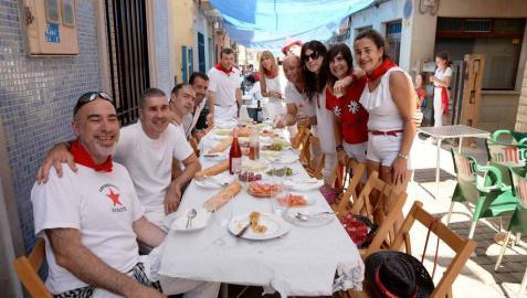 Imágenes de las fiestas de Lerín, principalmente de la pochada y de la comida popular.